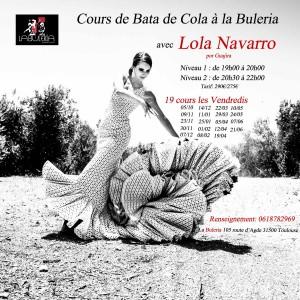 Lola Flamenca dans un champ d'oliviers